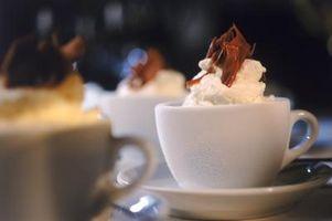 Cómo hacer chocolate caliente con la Vía Láctea barras de caramelo