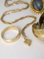 Cómo asegurarse un anillo de oro de 14 quilates de oro es real y sin platear