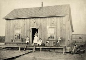 Las partes de los vestidos de las mujeres en 1850