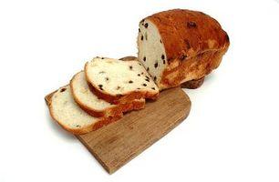 Cómo hacer un pan de fruta elevarse más alto con levadura