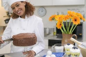 Cómo cocer al horno un pastel de chocolate holandés Doble
