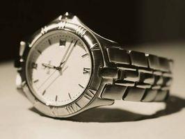 Cómo ajustar una correa de reloj Bulova Accutron