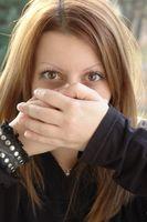 Cómo quitar el olor a humo de la respiración