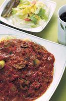 Las diferencias entre la salsa de tomate para espagueti y tomates guisados
