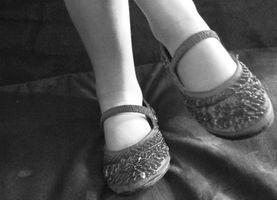 Cómo saber si mis zapatos son demasiado grandes o ancha