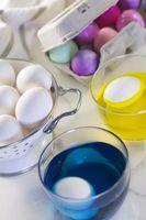 Cómo hacer huevos cocidos-duro perfecto para los huevos de Pascua