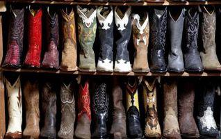 La mejor manera de pulir botas de cuero