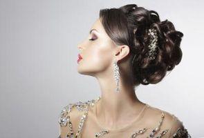 """¿Cómo hacer el pelo como Audrey Hepburn en """"Desayuno con diamantes"""""""