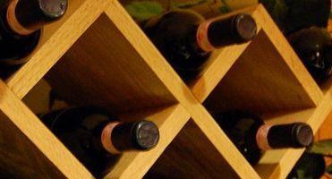 Cómo construir un estante del vino de almacenamiento