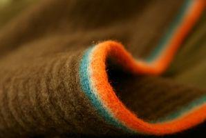Cómo atar una bufanda del invierno corto
