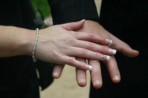 Cómo curar y reparar uñas secas y quebradizas