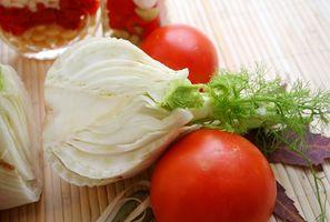 Ensalada de tomate y de hinojo