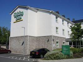 Holiday Inn vs. Comfort Inn Hoteles