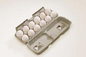 Cómo marinar huevos cocidos en jugo de remolacha