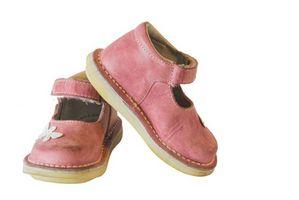 Como montar zapatos para niños pequeños