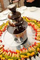 Cómo utilizar chocolate semi dulce y aceite de una fuente de chocolate