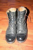 Cómo limpiar botas militares