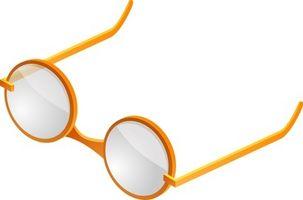 Cómo quitar los arañazos de vidrio o de plástico de las lentes