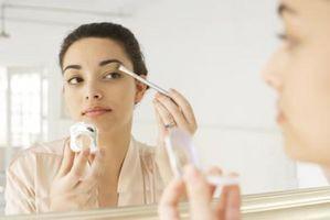 ¿Es usted tiene que usar sombra de ojos Con Otro maquillaje?