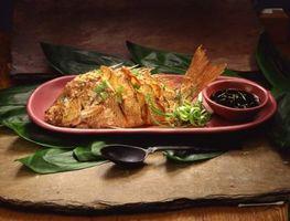 Cómo cocinar el pescado estilo asiático en un horno