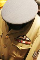 Cómo convertir una túnica militar sueca
