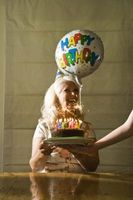 Cómo hacer su propio pastel de cumpleaños Diseños