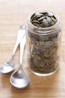 Cómo obtener semillas de calabaza para tostar