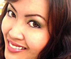 Cómo aplicar maquillaje del ojo verde