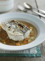 Cómo cocinar el pescado en un antiadherente Sartén