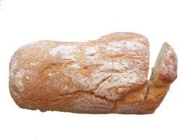 Cómo ablandar pan añejo