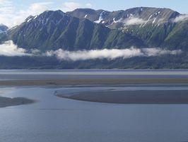 Alaska Cabinas estado, cerca del río ruso
