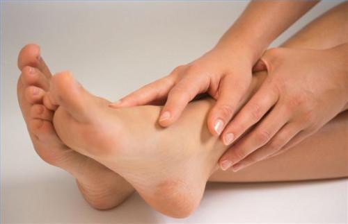 Cómo cuidar los pies con remedios caseros naturales