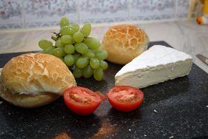 Cómo cortar queso Brie