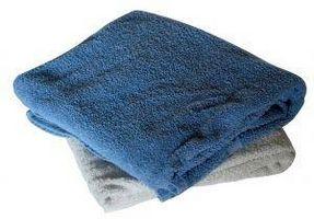 Cómo hacer una toalla del abrigo del cuerpo después de la ducha