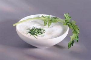 Cómo utilizar yogur en recetas como un sustituto de grasa