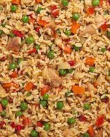 Cómo cocinar el arroz frito por lo que no se agrupen hasta