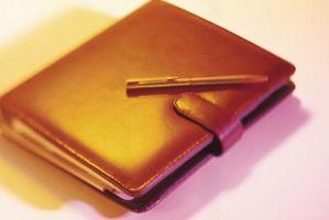 Cómo limpiar manchas de café en un libro de bolsillo de cuero