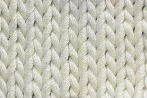 Cómo para aflojar el tejido de punto en un suéter de lana