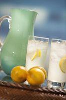 Cómo congelar los melocotones en la limonada