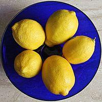 Hace Frotar limón en el cuero cabelludo Regrow del pelo?
