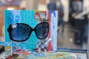 Cómo limpiar las gafas de sol Oakley