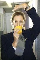 ¿Qué condiciones hacen que las máscaras de oxígeno de un avión al trabajo?
