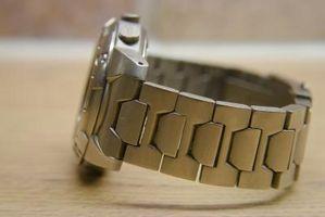 Cómo limpiar un reloj de titanio