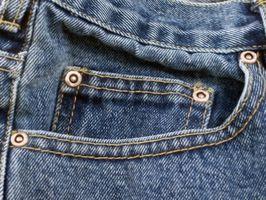 Cómo quitar los pernos prisioneros y remaches De Jeans