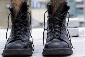 Cómo limpiar manchas en botas de cuero de color claro