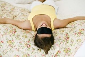 Cómo quitar el grado de oscuridad alrededor de los ojos con una máscara hecha en casa