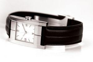 Cómo limpiar un reloj de la cara de la vendimia