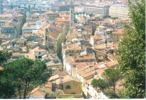 Cómo llegar a las antiguas termas romanas de Niza, Francia A pie