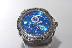 Como cambiar la hora en un reloj cronógrafo