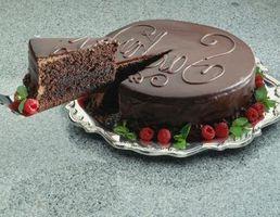 Cómo obtener la torta Fuera de recipiente para hornear